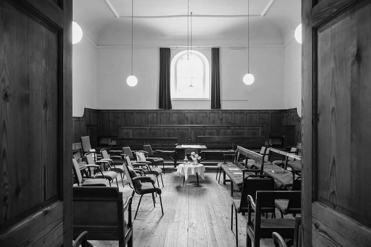 Wedding Photographer Frenchay Quaker Meeting House