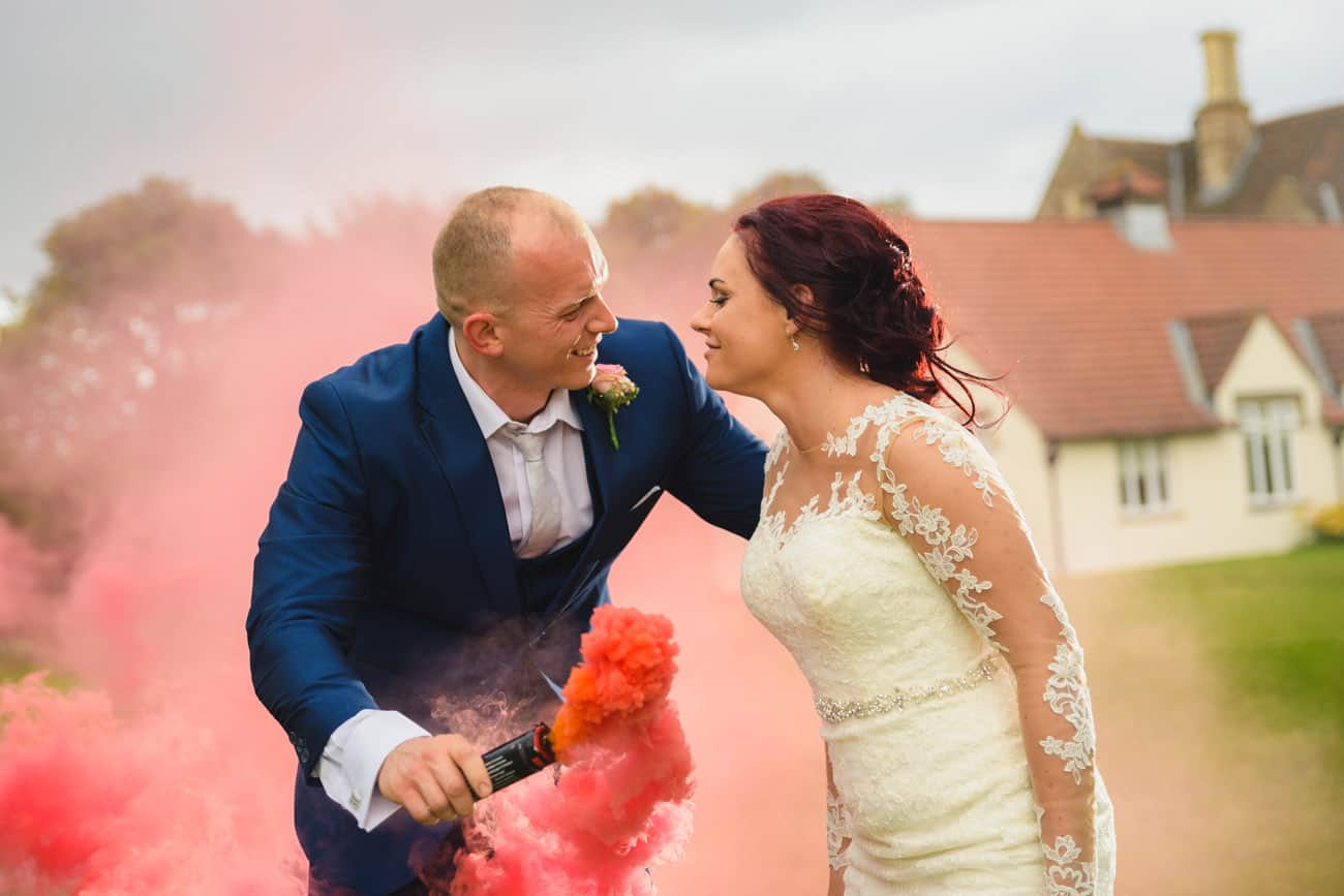 Wedding Photography Creative Smoke Grenade